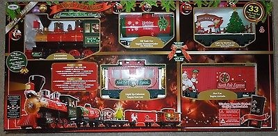 Christmas Train Set.North Pole Express Christmas Train Set 33 Pieces Remote Control 37297 For Sale